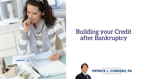 Reconstruyendo su crédito después de la bancarrota