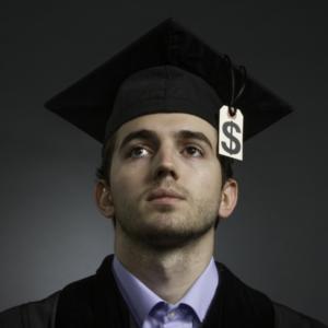 No se deje engañar: las 3 ideas falsas sobre su hipoteca Imagen destacada # 2 Deuda de préstamos estudiantiles