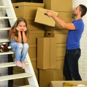 mover a los niños después del divorcio